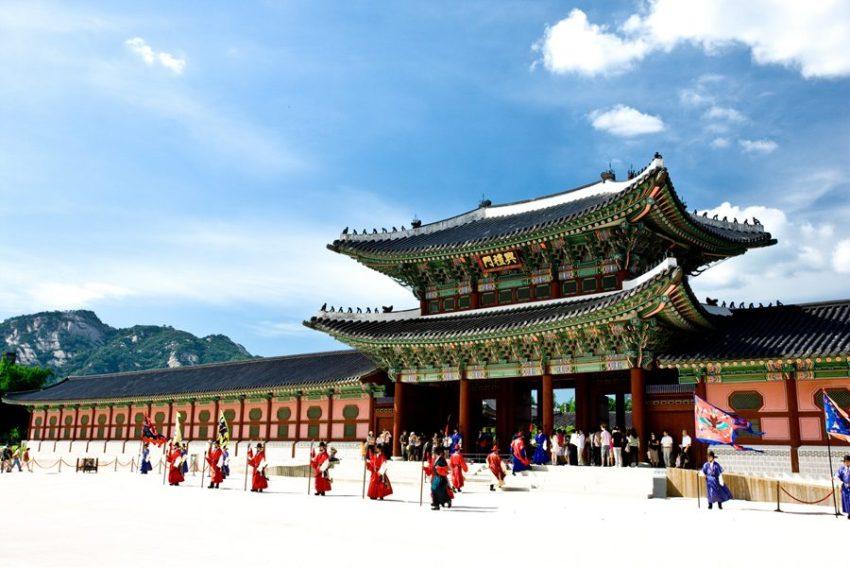 【一日游】景福宫+国立古宫博物馆+青瓦台+ Trickeye3D美术馆+弘大
