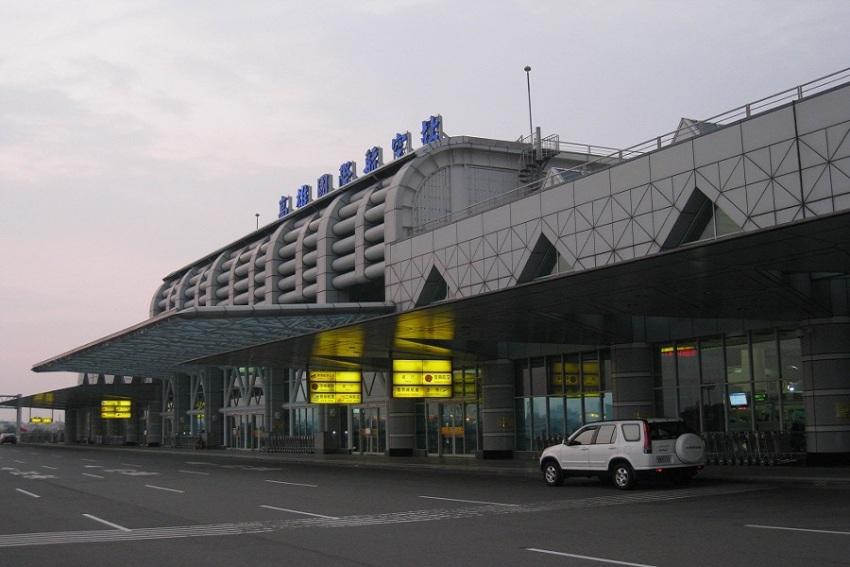 【接送机】高雄小港国际机场 - 高雄市内单程接机/送机