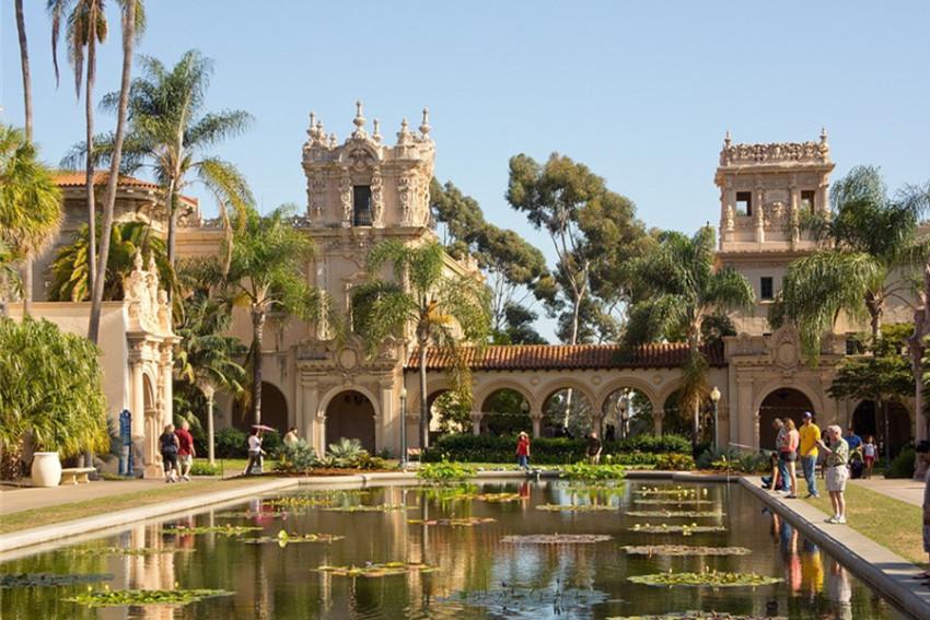 【圣地亚哥一日游】巴尔博亚公园+中途岛号+胜利之吻+圣地亚哥老城