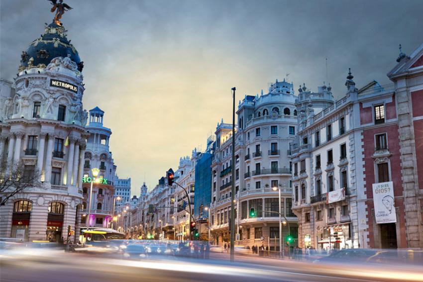 【欧洲之门】马德里皇宫+太阳门广场+马约尔广场+普拉多博物馆+伯纳乌体育场(马德里市区往返)