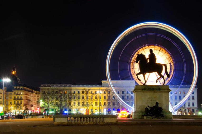 西方文明之旅 韵味里昂一日游:白苹果广场+圣让首席大教堂+古罗马大剧场+富维耶圣母院
