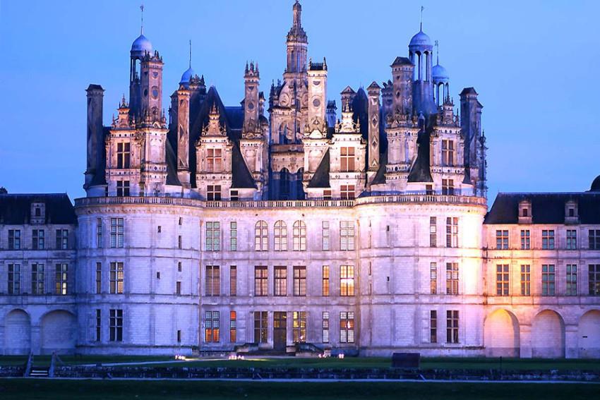 【卢瓦尔河谷城堡一日游】香波堡+布卢瓦城堡+舍农索城堡