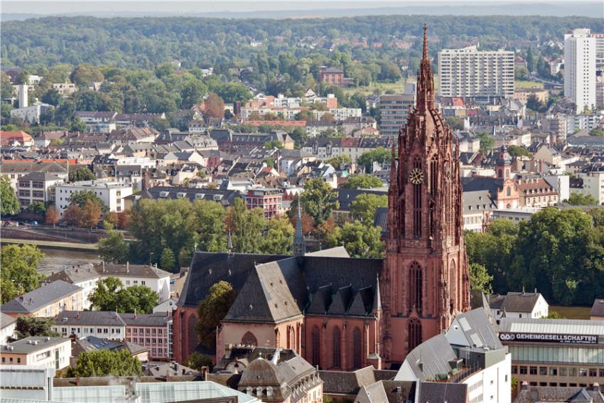 【法兰克福老城一日游】看见一座城:旧城市政厅+罗马广场+法兰克福大教堂+美因河