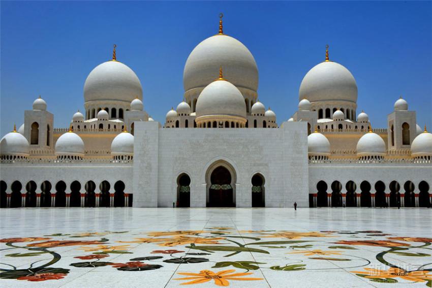 【迪拜-阿布扎比休闲一日游】阿布扎比大清真寺+酋长皇宫+法拉利主题公园