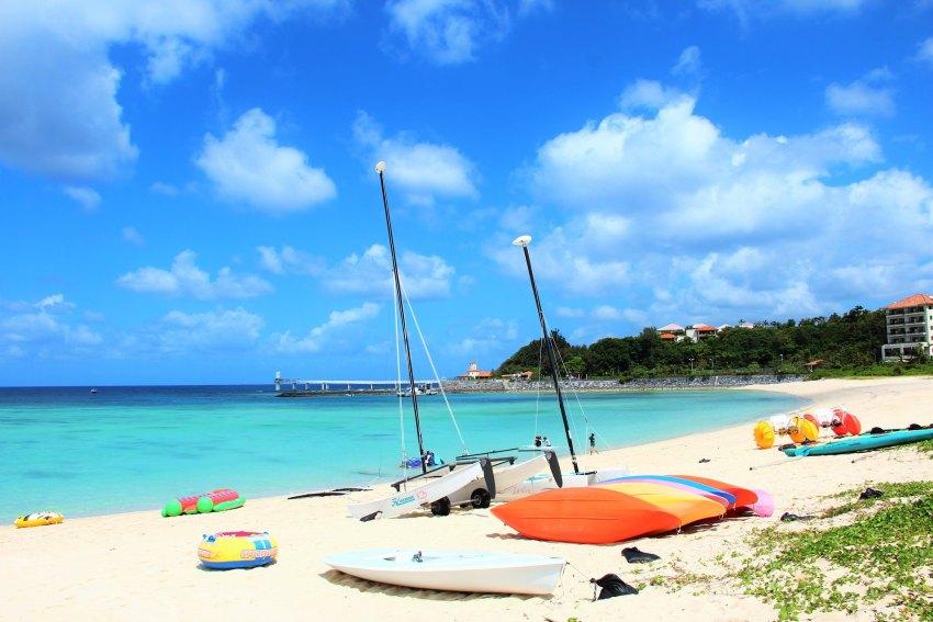【冲绳北部亲子一日游】万座毛+玻璃船+水族馆+东南植物园