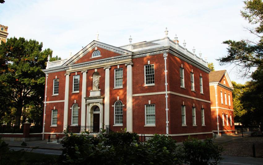 【纽约往返费城1日游】费城独立宫+自由钟+独立历史公园+艺术博物馆+宾夕法尼亚大学跨城一日游