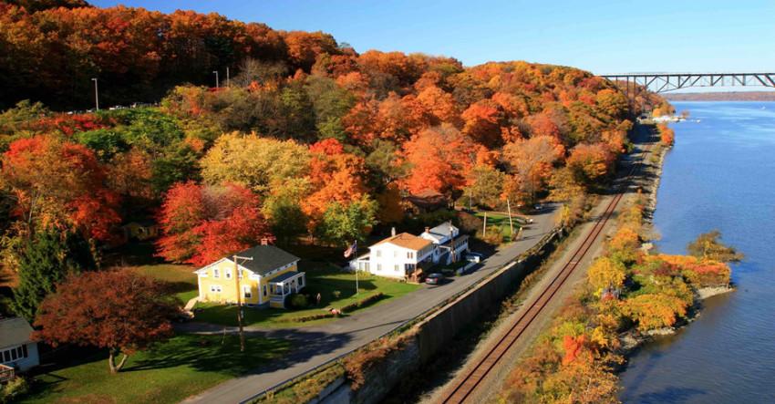 【纽约周边往返一日】秋季赏枫专线:哈德逊高架桥-波基普西城-富兰克林罗斯福故居