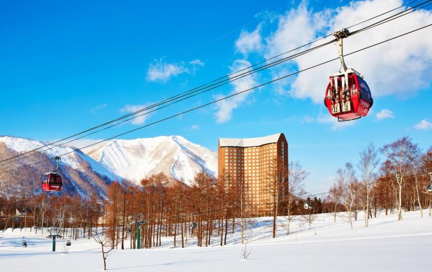 滑雪赏景:留寿都滑雪场+洞爷湖湖景+洞爷湖灯会一日游(札幌往返)