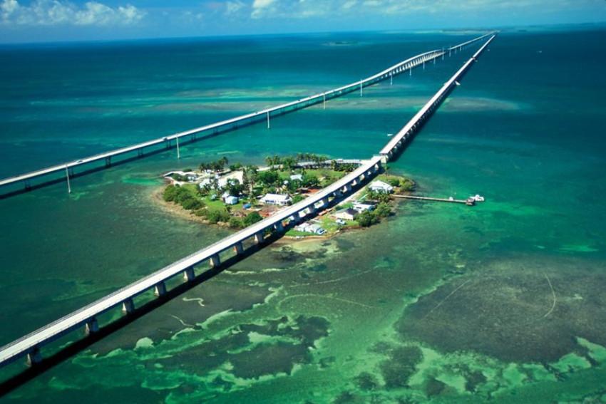 【天涯海角西礁岛浪漫一日游】迈阿密1号公路+七里长桥+西礁岛Key west+海明威故居+杜佛街+海滨游轮码头