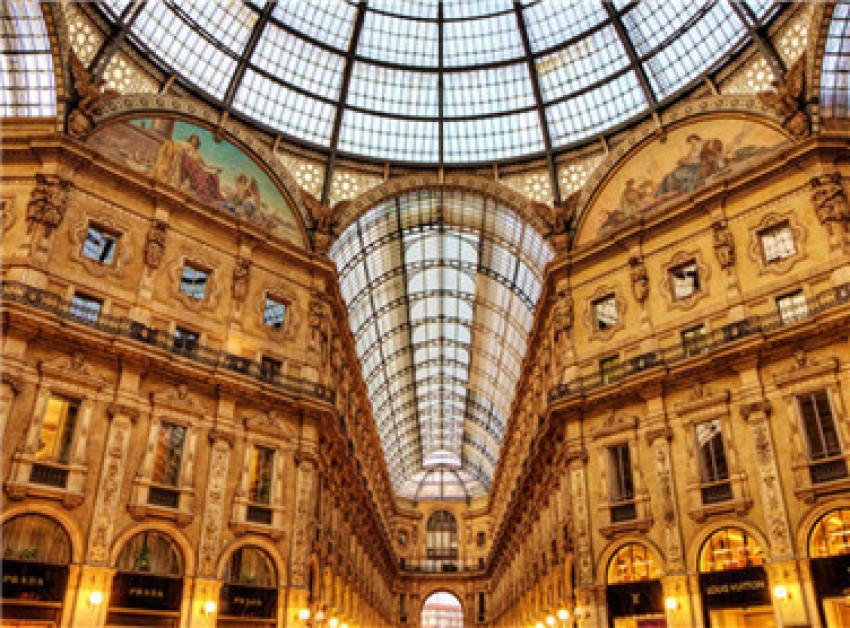 【米兰时尚购物1日游】斯卡拉广场+米兰大教堂+米兰王宫+埃马努埃莱二世长廊